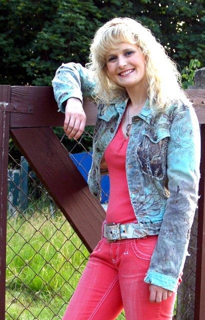 Mandy Bach Ottendorf 01 - 2011